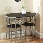 Greenhurst Stylish Compact Dining Table (Black/Silver)